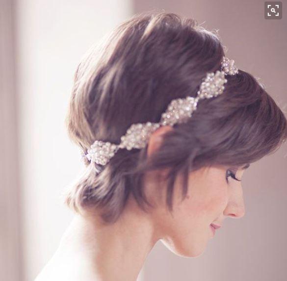 花嫁ヘアスタイルショートヘア