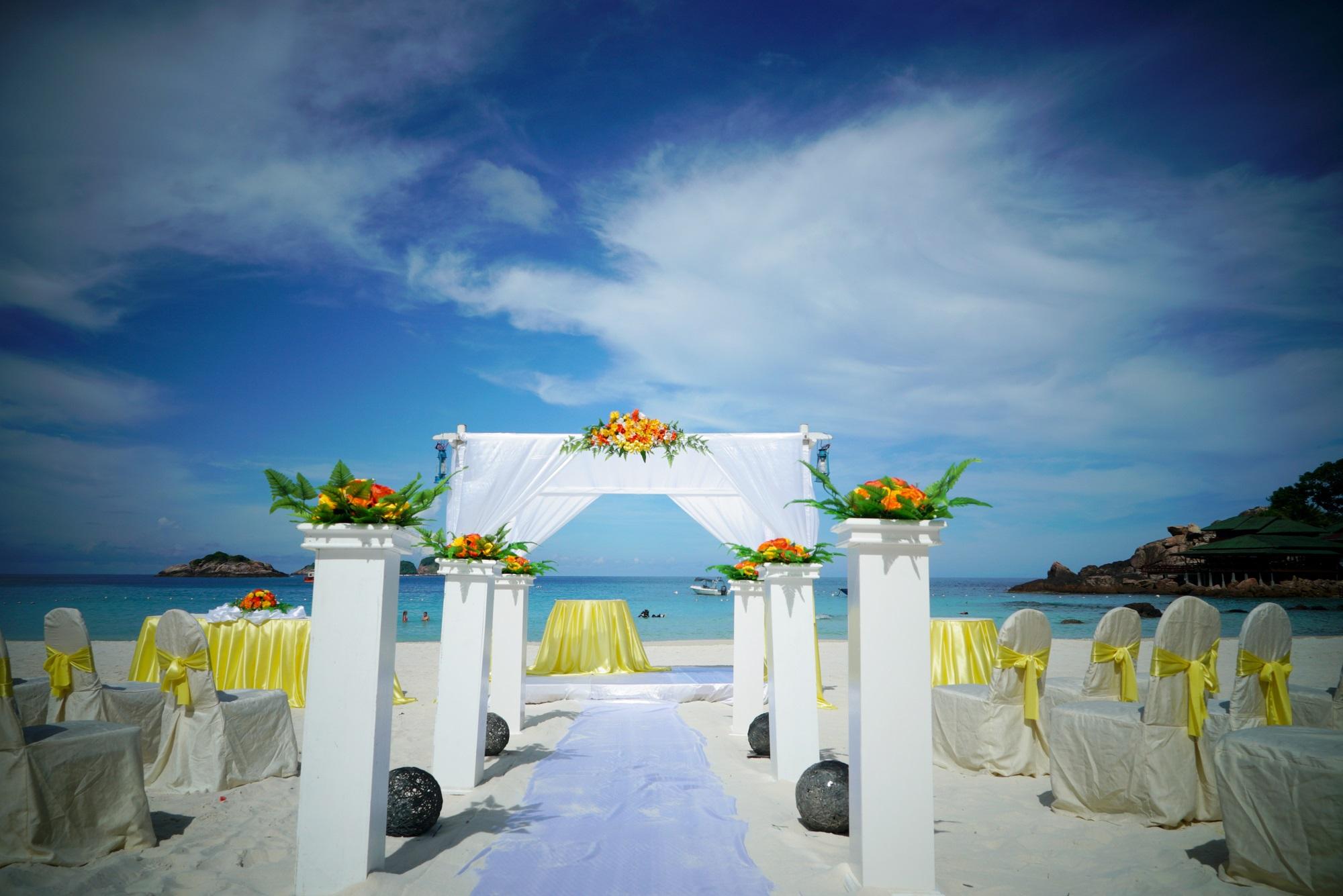 malaysia redang island beach wedding wedding arch setup